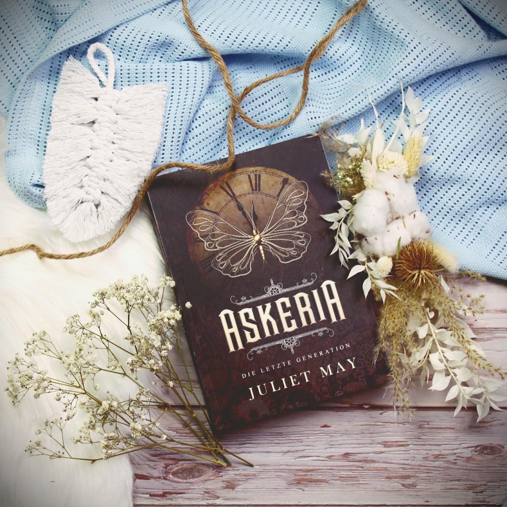 Titel: Askeria – Die letzte Generation  Autor: Juliet May Seiten: 552 Genre: Fantasy Verlag: Selfpublished Format: Buch Preis: 14,99€
